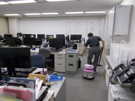 朝10時迄の清掃のお仕事。新宿駅西口の高層ビルの清掃です。初めて仕事をする方も大歓迎!